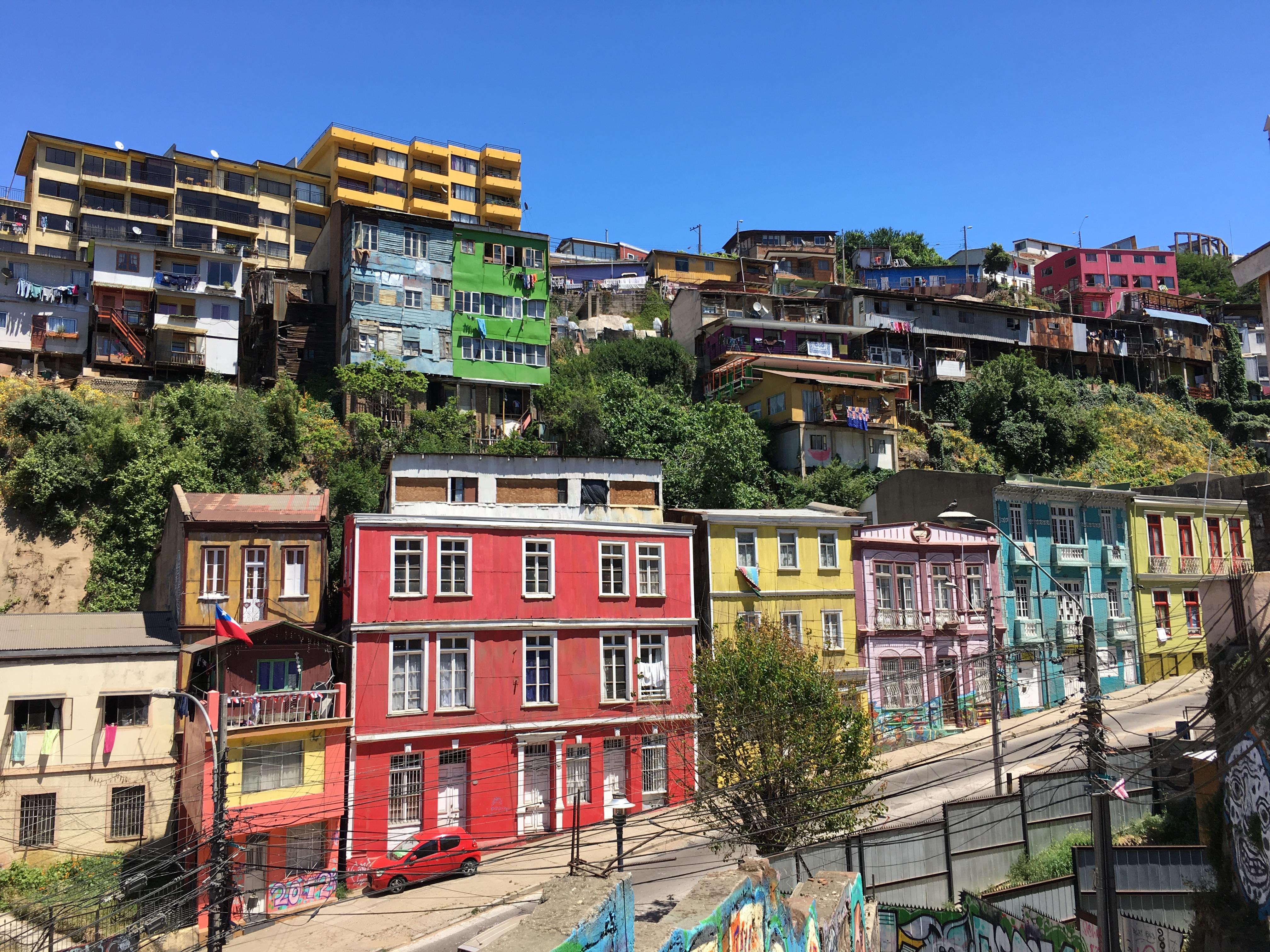 Valparaíso - Chile\'s most colorful City | beethetraveler